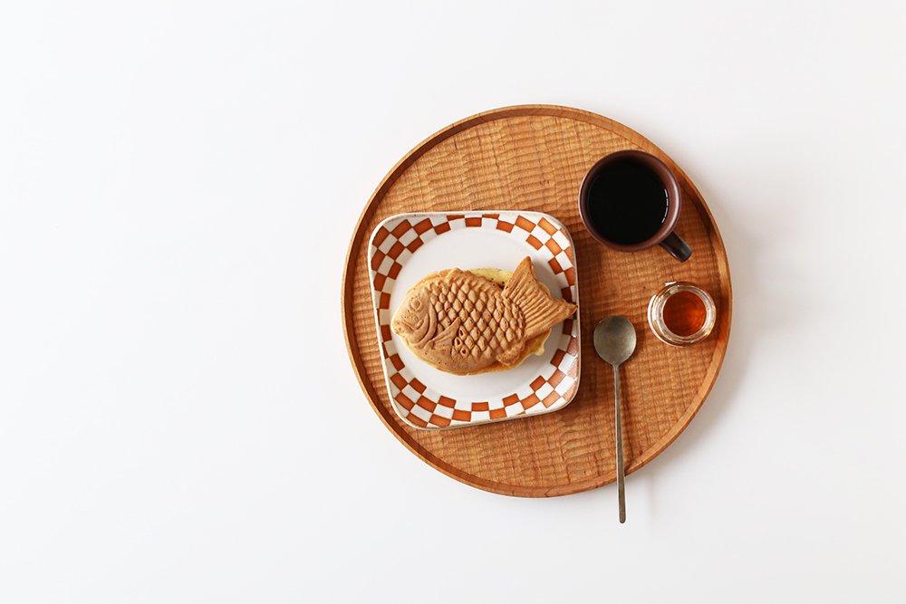 見野大介/ほんのり四角のケーキ皿(いちまつ・白)
