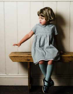 <img class='new_mark_img1' src='//img.shop-pro.jp/img/new/icons14.gif' style='border:none;display:inline;margin:0px;padding:0px;width:auto;' />Little Cotton Clothes「Amelie Smocked Dress (Grey Stripe) 18m-2y-3y-4y」2018-SS