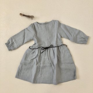 <img class='new_mark_img1' src='//img.shop-pro.jp/img/new/icons14.gif' style='border:none;display:inline;margin:0px;padding:0px;width:auto;' />Simply Grey Life「Girl's linen dress puf sleeves with belt (light grey) 18m-2y-3y-4y」