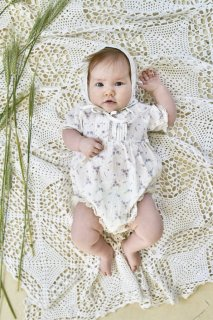 <img class='new_mark_img1' src='//img.shop-pro.jp/img/new/icons14.gif' style='border:none;display:inline;margin:0px;padding:0px;width:auto;' />bebe organic「Love Romper (Floral Print) 12m 18m」2019-SS