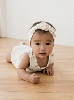 <img class='new_mark_img1' src='//img.shop-pro.jp/img/new/icons23.gif' style='border:none;display:inline;margin:0px;padding:0px;width:auto;' />【25%OFF】QUINCY MAE「BABY TURBAN (IVORY)」2019-SS