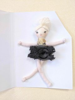 <img class='new_mark_img1' src='//img.shop-pro.jp/img/new/icons14.gif' style='border:none;display:inline;margin:0px;padding:0px;width:auto;' />These Little Treasures「Miniature Lola - Ballerina」
