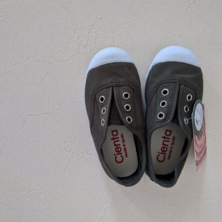 <img class='new_mark_img1' src='//img.shop-pro.jp/img/new/icons14.gif' style='border:none;display:inline;margin:0px;padding:0px;width:auto;' />Cienta「Deck Shoes (Tourba)」