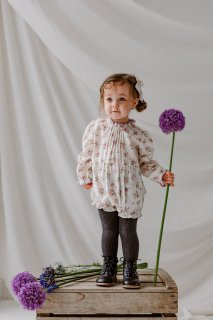 <img class='new_mark_img1' src='//img.shop-pro.jp/img/new/icons14.gif' style='border:none;display:inline;margin:0px;padding:0px;width:auto;' />HAPPYOLOGY「Wilbury Baby Romper (Violet Floral)」2020-AW