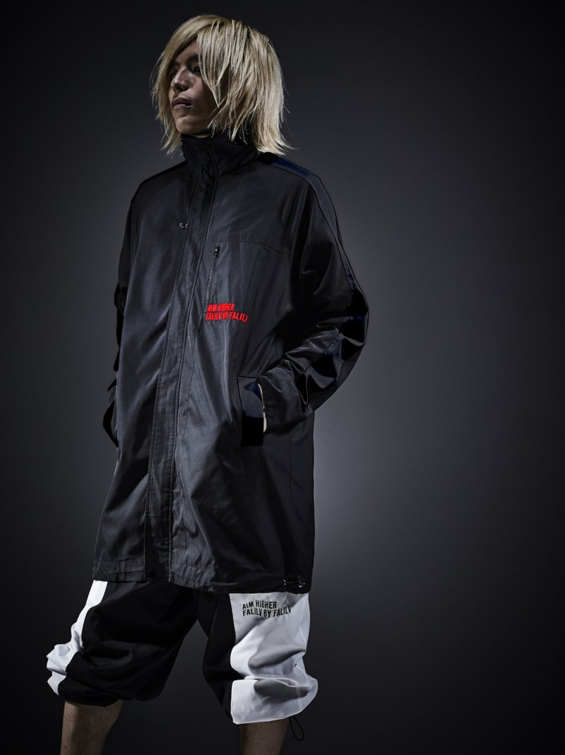 2018 AUTUMN HIGHNECK LONG NYLON BLOUSON (BLACK)