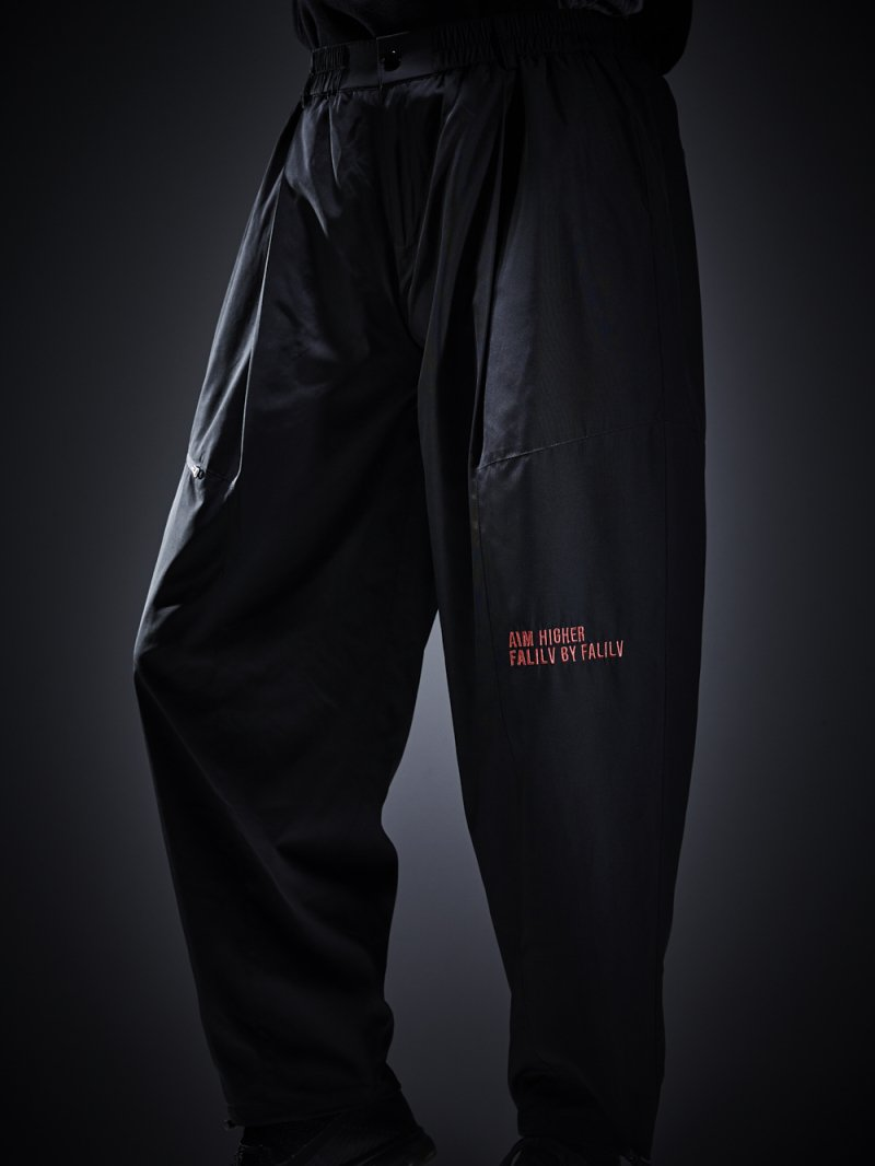2018 AUTUMN TAPERED SWICH PANTS (BLACK)