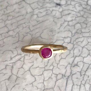 K18YG classy ring † Ruby