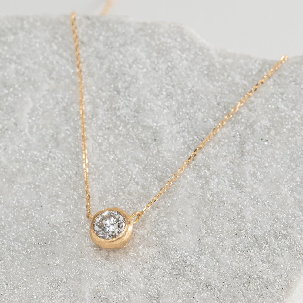 <img class='new_mark_img1' src='https://img.shop-pro.jp/img/new/icons8.gif' style='border:none;display:inline;margin:0px;padding:0px;width:auto;' />K18YG luxe diamond necklace
