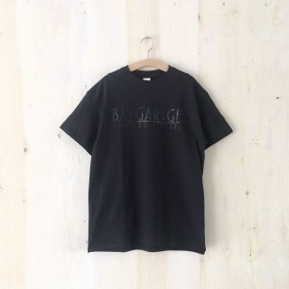 BAY GARAGE Printed T <br> Black x Black Printed