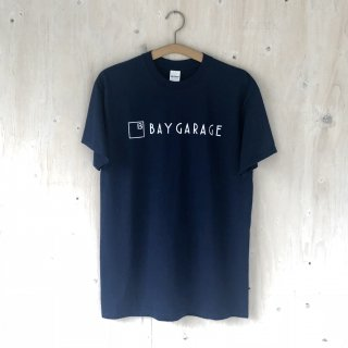 BAY GARAGE Printed T <br>New Logo<br> Navy x White Printed