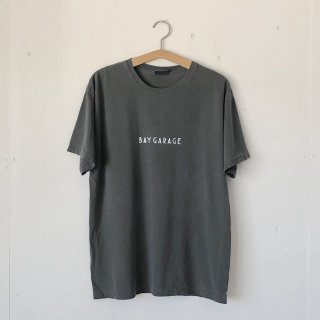 BAY GARAGE Printed T <br>Garment Dye<br> Pepper