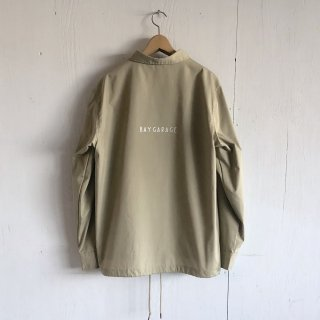 BAY GARAGE Coach JKT<br>Beige x White Printed