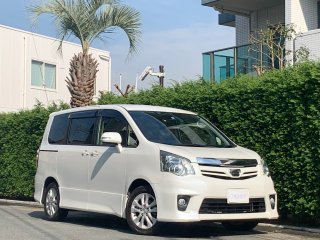 2013 Toyota Noah Si<br/>Power Sliding Doors<br/>8 passengers