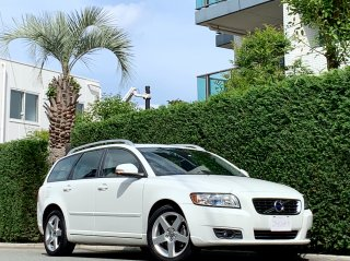 2012 Volvo V50 Classic <br/>1 owner Leather & Sunroof  <br/>29,000km