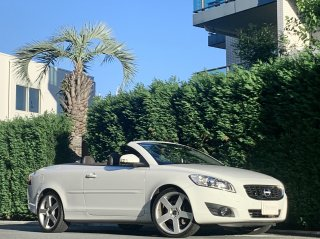 2011 Volvo C70 T5 GT</br>1 owner Luxury Package </br>26,000km