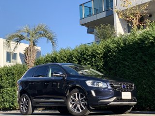 2017 Volvo XC60 D4 Classic</br>1 owner Panoramic Sunroof</br> 25,000km