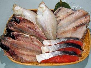 塩紅鮭と干物3種(エテカレイ、あじ、ツボダイ)のセット