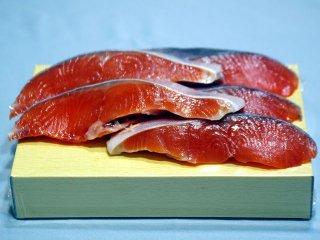 【チリ産】 中塩銀鮭切り身(5切)箱詰め