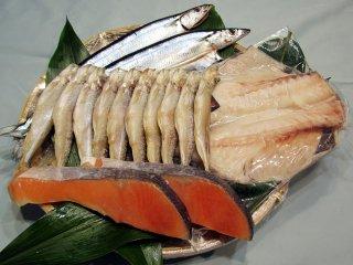 塩銀鮭と本シシャモ、さんま、ツボダイのセット