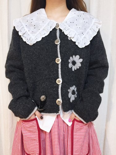 gray flower embroidery tyrol knit cardigan