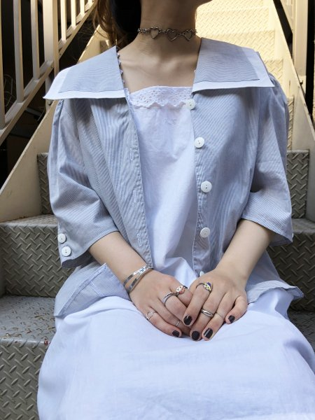 white, blue stripe big collar blouse