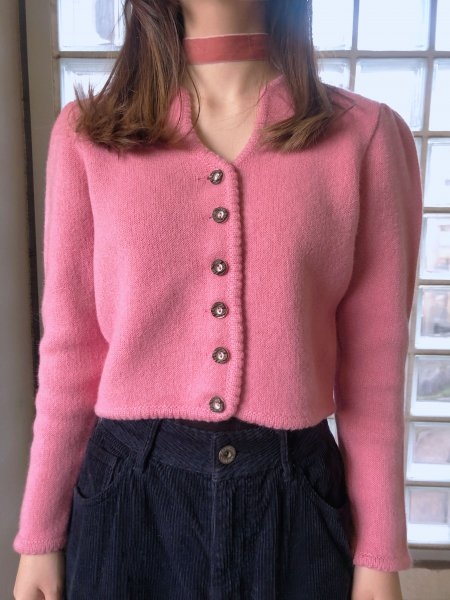 <img class='new_mark_img1' src='https://img.shop-pro.jp/img/new/icons14.gif' style='border:none;display:inline;margin:0px;padding:0px;width:auto;' />pink tyrol knit cardigan