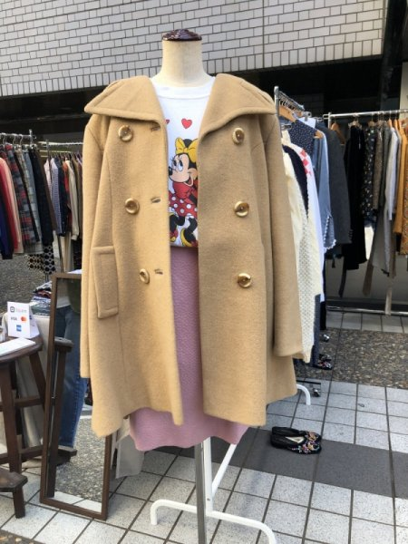 <img class='new_mark_img1' src='https://img.shop-pro.jp/img/new/icons14.gif' style='border:none;display:inline;margin:0px;padding:0px;width:auto;' />70's beige coat