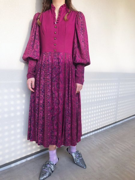 <img class='new_mark_img1' src='https://img.shop-pro.jp/img/new/icons14.gif' style='border:none;display:inline;margin:0px;padding:0px;width:auto;' />dark purple tyrol dress