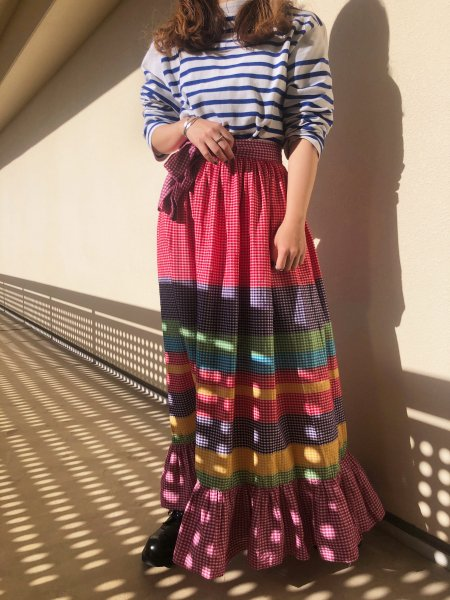 <img class='new_mark_img1' src='https://img.shop-pro.jp/img/new/icons14.gif' style='border:none;display:inline;margin:0px;padding:0px;width:auto;' />70's colorful border wrap skirt