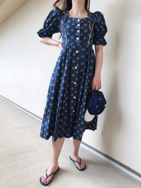 <img class='new_mark_img1' src='https://img.shop-pro.jp/img/new/icons14.gif' style='border:none;display:inline;margin:0px;padding:0px;width:auto;' />hand made navy tyrol dress
