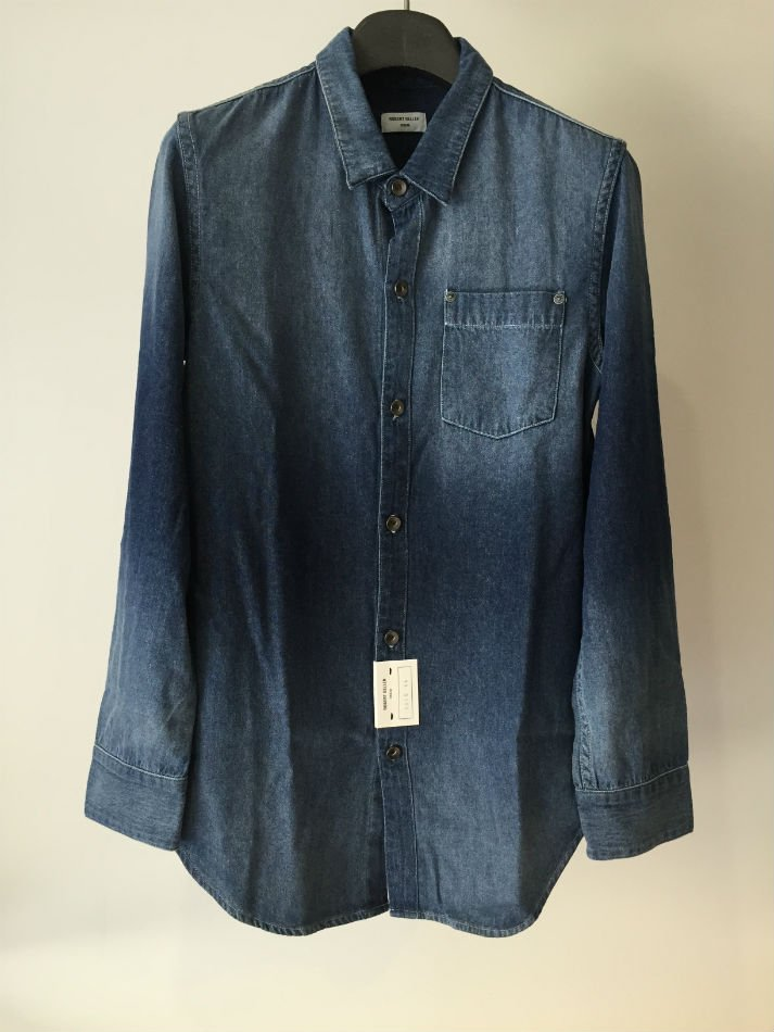 DENIM SHIRT<img class='new_mark_img2' src='//img.shop-pro.jp/img/new/icons47.gif' style='border:none;display:inline;margin:0px;padding:0px;width:auto;' />