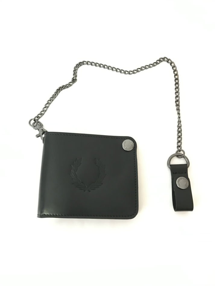 LEATHER BILLFOLD CHAIN WALLET<img class='new_mark_img2' src='//img.shop-pro.jp/img/new/icons47.gif' style='border:none;display:inline;margin:0px;padding:0px;width:auto;' />