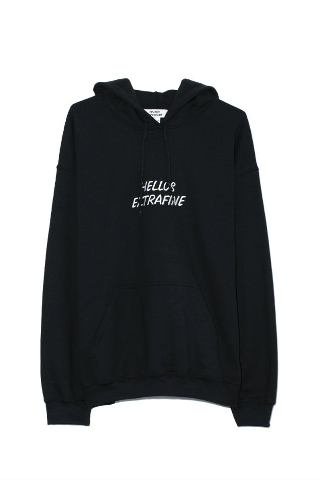 HELLOS EXTRAFINE<br />Logo hooded sweatshirt Black<img class='new_mark_img2' src='//img.shop-pro.jp/img/new/icons47.gif' style='border:none;display:inline;margin:0px;padding:0px;width:auto;' />