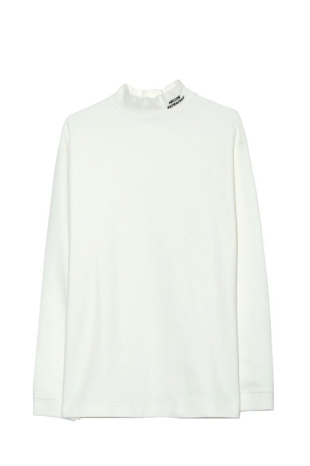 HELLOS EXTRAFINE<br />Logo mock neck L/S T shirt White<img class='new_mark_img2' src='//img.shop-pro.jp/img/new/icons47.gif' style='border:none;display:inline;margin:0px;padding:0px;width:auto;' />
