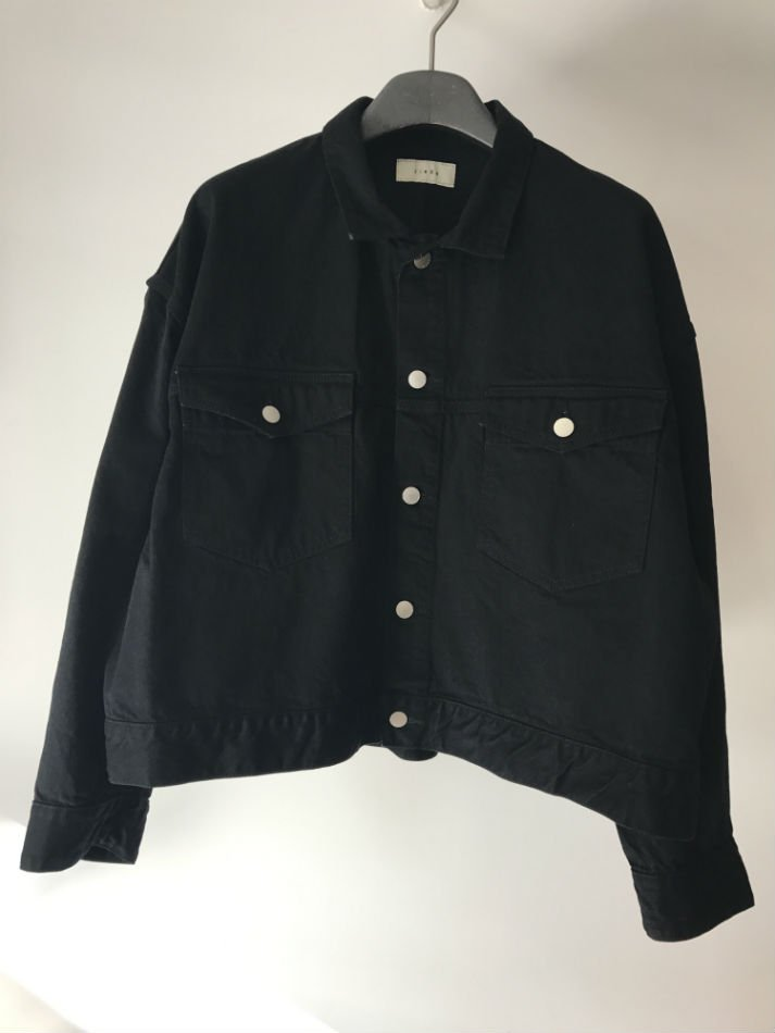 JieDa<br />SHORT DENIM JACKET BLACK<img class='new_mark_img2' src='//img.shop-pro.jp/img/new/icons14.gif' style='border:none;display:inline;margin:0px;padding:0px;width:auto;' />