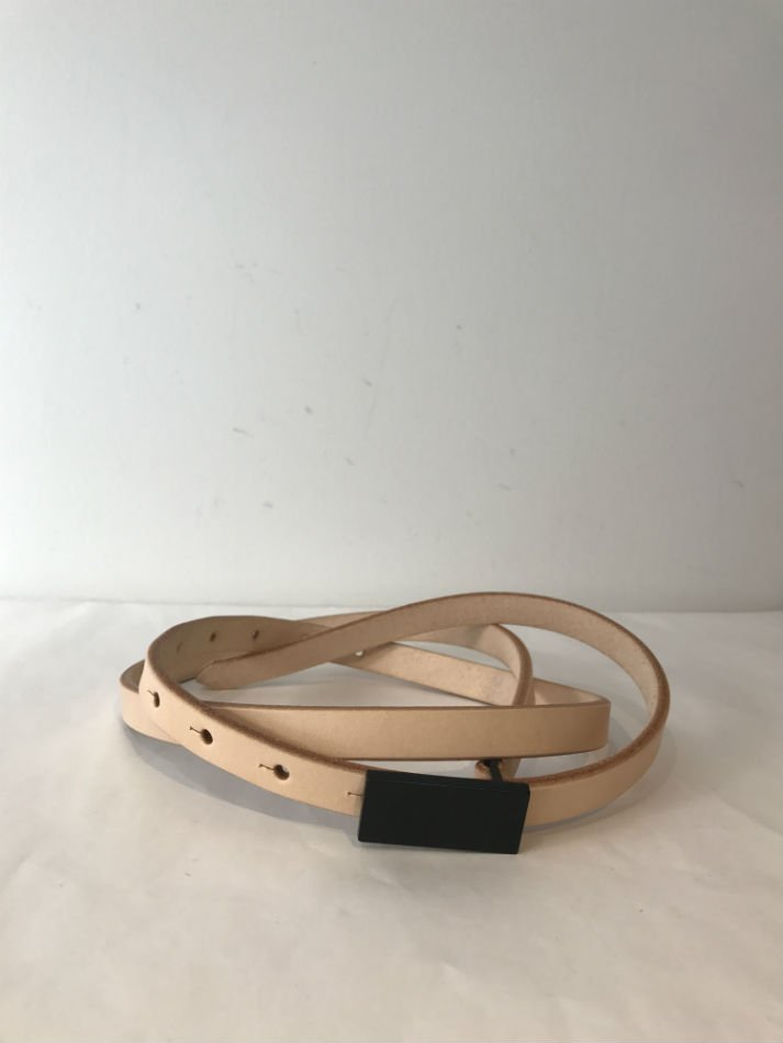 JieDa<br />LEATHER BELT BEIGE<img class='new_mark_img2' src='//img.shop-pro.jp/img/new/icons14.gif' style='border:none;display:inline;margin:0px;padding:0px;width:auto;' />