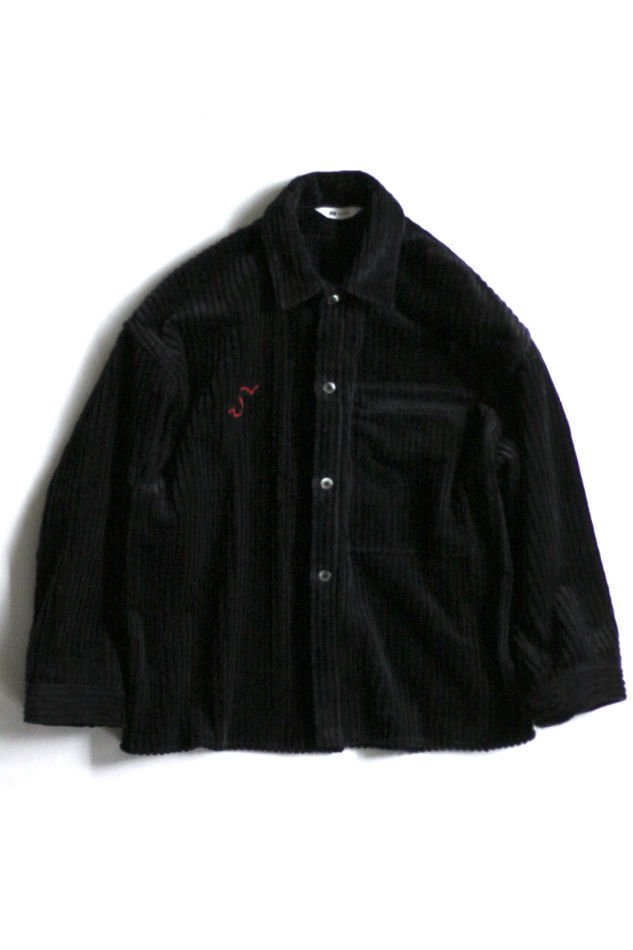 soe<br />Corduroy Shirt Jacket BLACK<img class='new_mark_img2' src='//img.shop-pro.jp/img/new/icons47.gif' style='border:none;display:inline;margin:0px;padding:0px;width:auto;' />