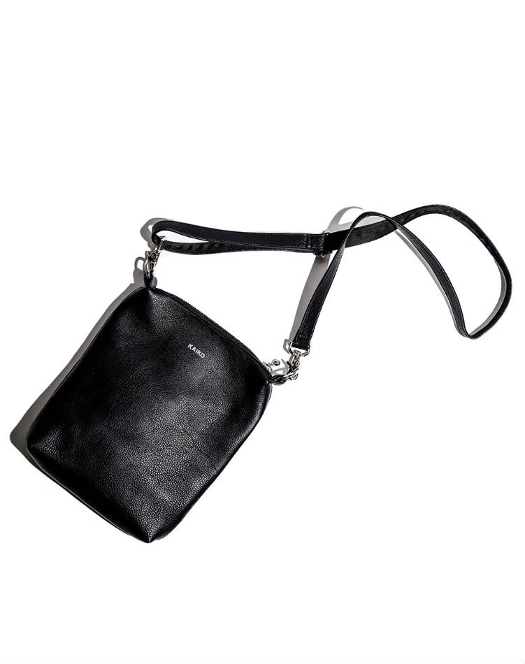 KAIKO<br />LEATHER SHOULDER BAG<img class='new_mark_img2' src='https://img.shop-pro.jp/img/new/icons56.gif' style='border:none;display:inline;margin:0px;padding:0px;width:auto;' />