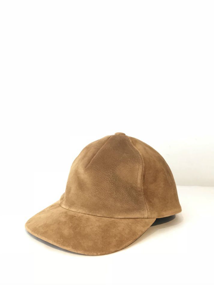 KAIKO<br />SUEDE CAP CAMEL<img class='new_mark_img2' src='//img.shop-pro.jp/img/new/icons47.gif' style='border:none;display:inline;margin:0px;padding:0px;width:auto;' />