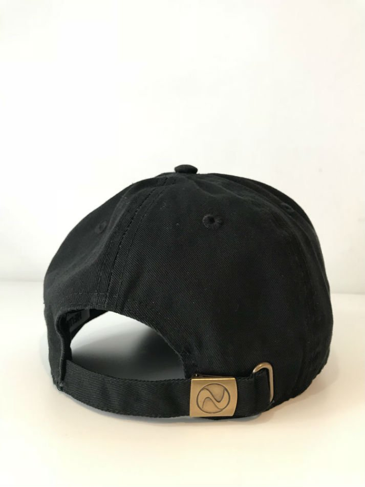 HELLOS EXTRAFINE<br />Logo 6 Panel Cap Black<img class='new_mark_img2' src='//img.shop-pro.jp/img/new/icons14.gif' style='border:none;display:inline;margin:0px;padding:0px;width:auto;' />