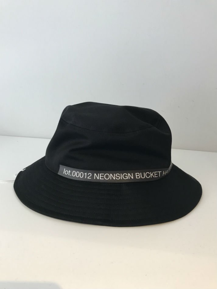NEON SIGN<br />NEONSIGN INDUSTRIAL COLLECTION BUCKET HAT BLK<img class='new_mark_img2' src='//img.shop-pro.jp/img/new/icons47.gif' style='border:none;display:inline;margin:0px;padding:0px;width:auto;' />