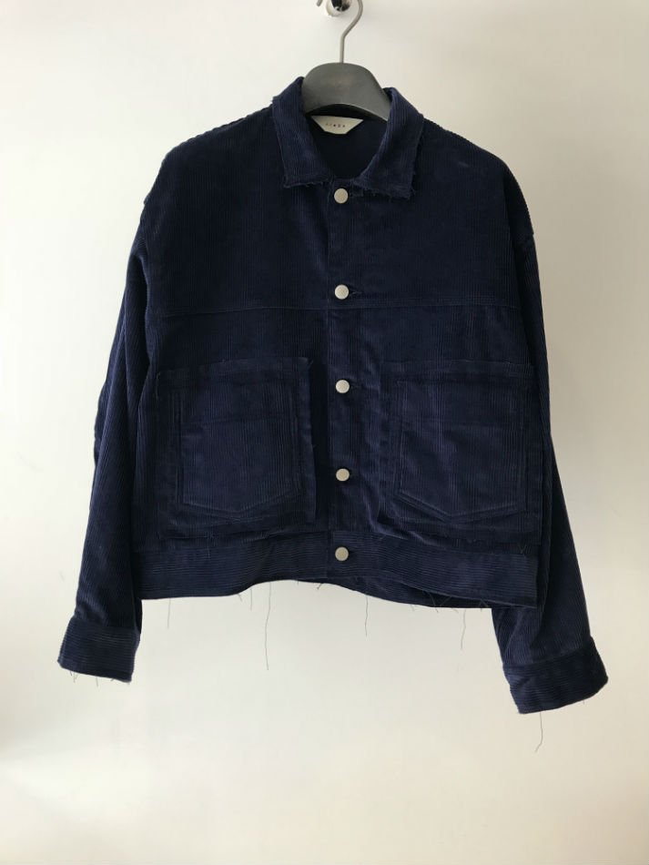JieDa<br />CORDUROY SHORT JACKET NAVY<img class='new_mark_img2' src='//img.shop-pro.jp/img/new/icons47.gif' style='border:none;display:inline;margin:0px;padding:0px;width:auto;' />