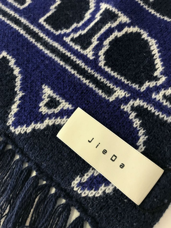 JieDa<br />LOGO LONG SCARF NAVY<img class='new_mark_img2' src='//img.shop-pro.jp/img/new/icons47.gif' style='border:none;display:inline;margin:0px;padding:0px;width:auto;' />