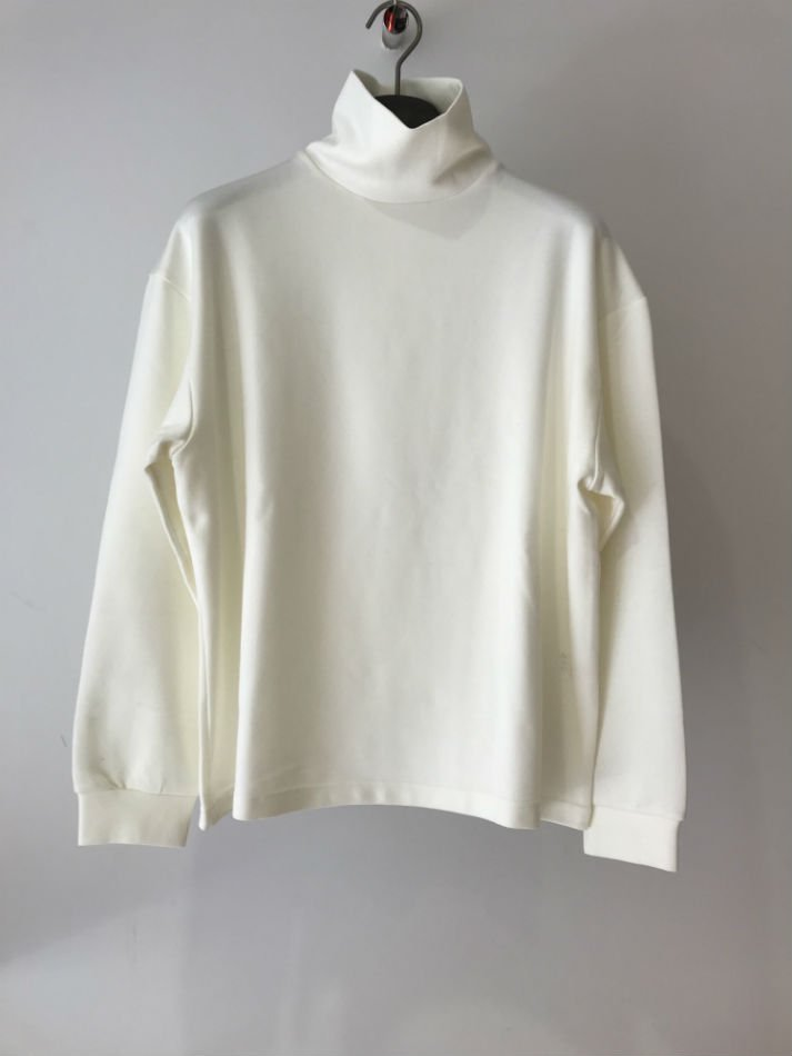 KAIKO<br />TECH TURTLE NECK WHITE<img class='new_mark_img2' src='//img.shop-pro.jp/img/new/icons14.gif' style='border:none;display:inline;margin:0px;padding:0px;width:auto;' />