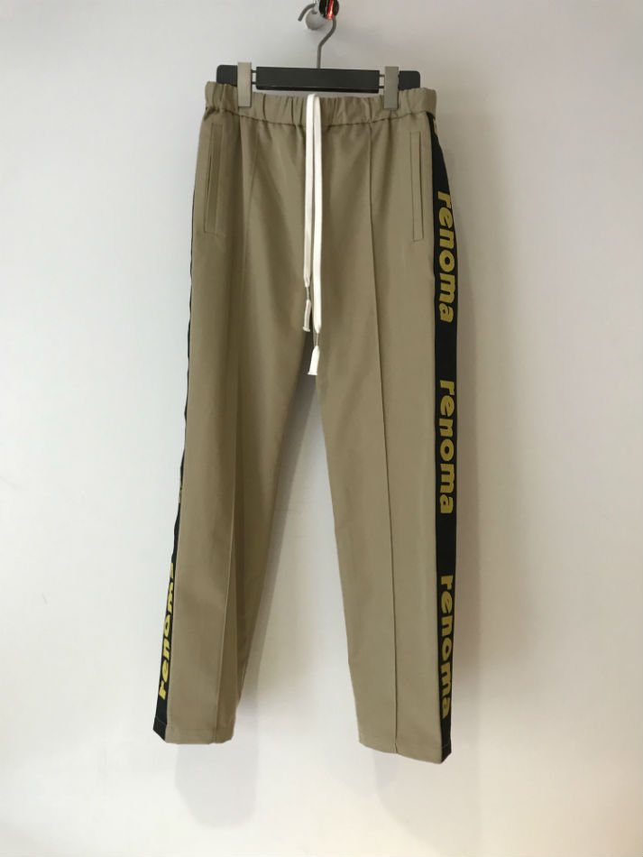 JieDa×renoma<br />renoma LOGO LINE PANTS BEIGE<img class='new_mark_img2' src='//img.shop-pro.jp/img/new/icons14.gif' style='border:none;display:inline;margin:0px;padding:0px;width:auto;' />