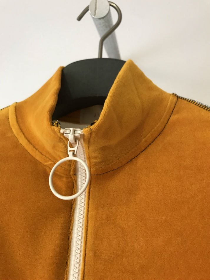 JieDa×renoma<br />VELOUR HALF ZIP PULL OVER YELLOW<img class='new_mark_img2' src='//img.shop-pro.jp/img/new/icons47.gif' style='border:none;display:inline;margin:0px;padding:0px;width:auto;' />