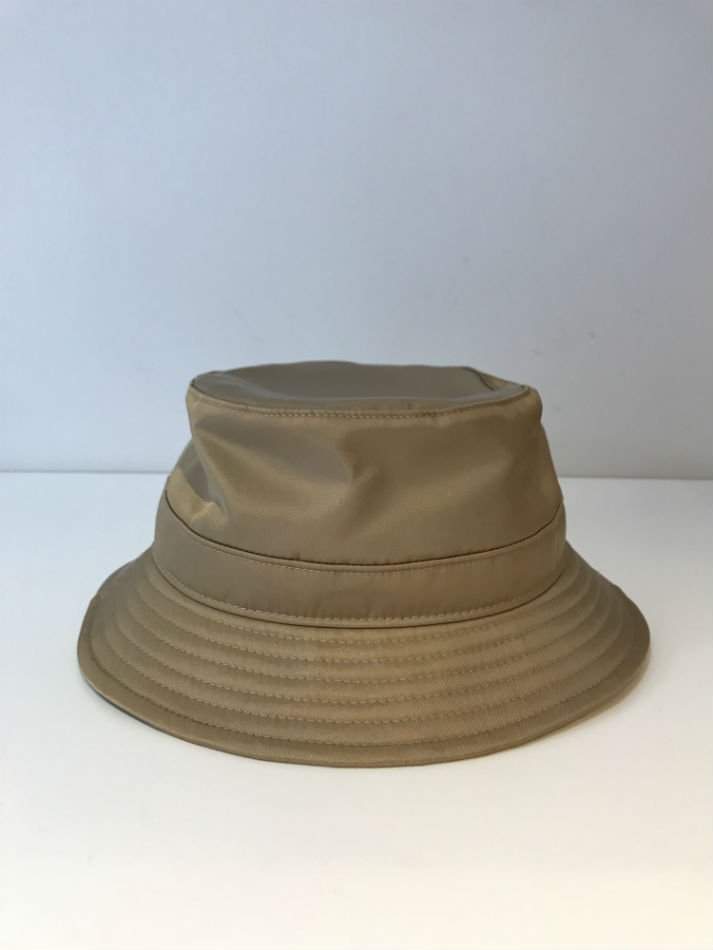 KAIKO<br />NYLON BUCKET HAT BEIGE<img class='new_mark_img2' src='//img.shop-pro.jp/img/new/icons14.gif' style='border:none;display:inline;margin:0px;padding:0px;width:auto;' />