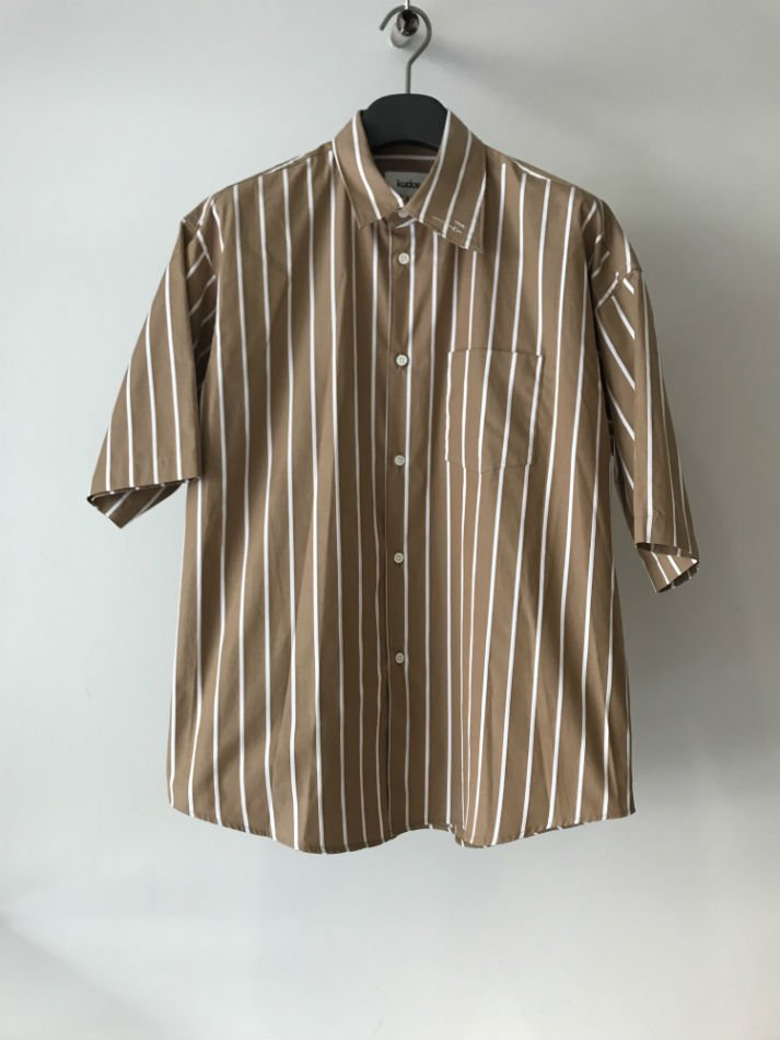 kudos<br />PLUS 5CM SHIRT BROWN<img class='new_mark_img2' src='//img.shop-pro.jp/img/new/icons14.gif' style='border:none;display:inline;margin:0px;padding:0px;width:auto;' />