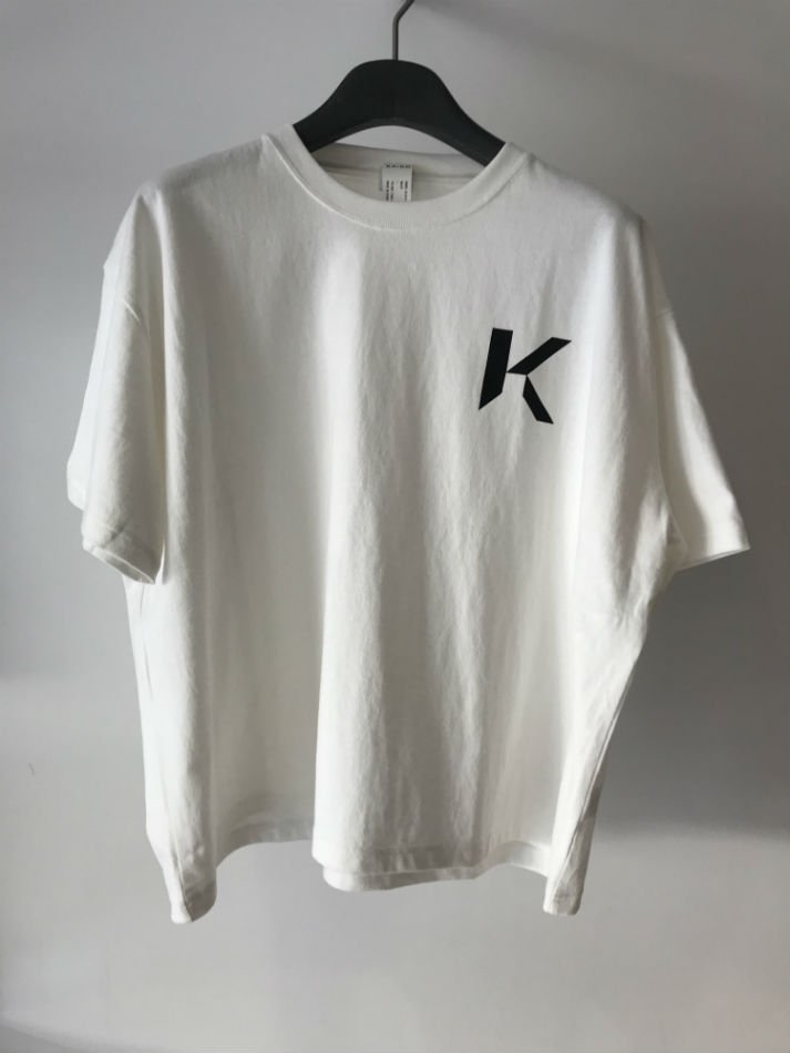 KAIKO<br />OBLONG T-SHIRT MARK WHITE<img class='new_mark_img2' src='//img.shop-pro.jp/img/new/icons47.gif' style='border:none;display:inline;margin:0px;padding:0px;width:auto;' />