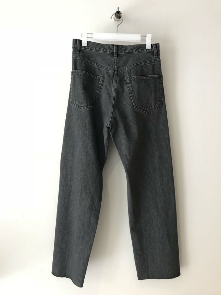 KAIKO<br />BUG DENIM PANT FULL WASH BLA<img class='new_mark_img2' src='//img.shop-pro.jp/img/new/icons47.gif' style='border:none;display:inline;margin:0px;padding:0px;width:auto;' />